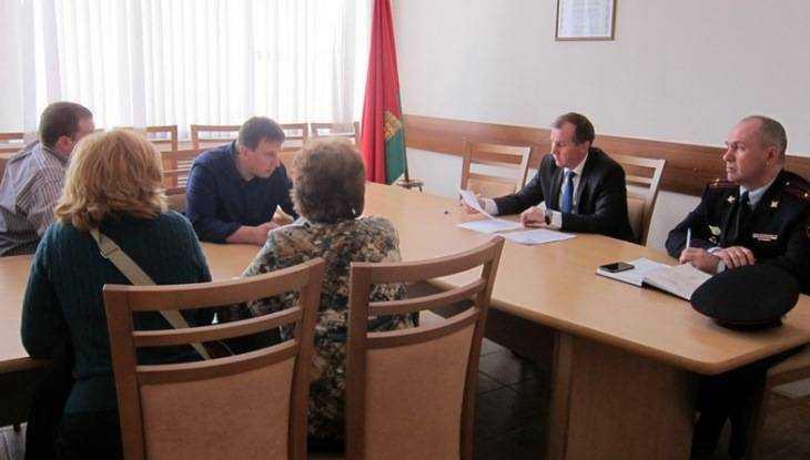 Градоначальника Брянска попросили защитить школьников от Навального