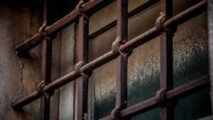 В Брянске 23-летнего парня арестовали за жестокое убийство женщины