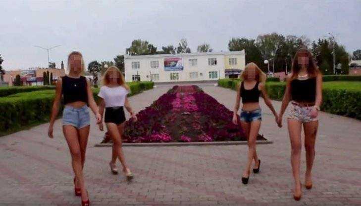 Телеканал «Звезда» вспомнил о плясках школьниц у мемориала в Почепе