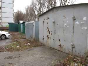Брянские власти велели снести незаконные гаражи