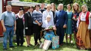 В Брянске почетный донор Антонина Чмутова отпраздновала свое 100-летие