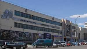 На брянском заводе «Кремний» при обрушении потолка разбился рабочий