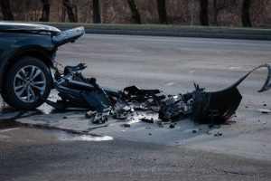 Под Брянском в ДТП погибли водитель и лежавший на дороге мужчина