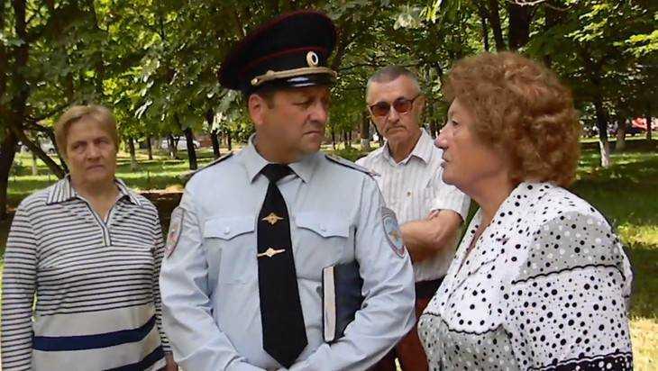 В Пролетарском сквере Брянска воинствующие атеисты учинили скандал