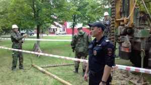 Полиция взяла под защиту строителей в Пролетарском сквере Брянска