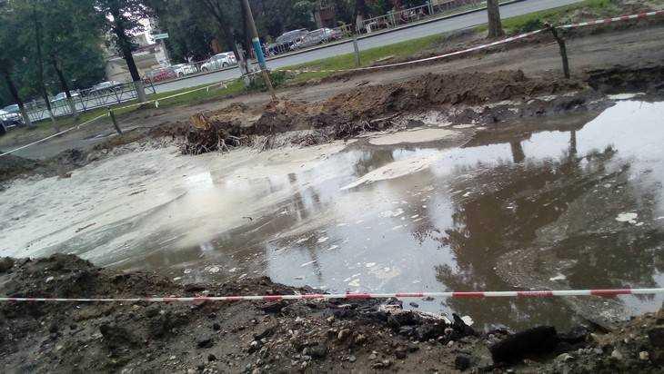 В Брянске на Московском проспекте образовалось озеро