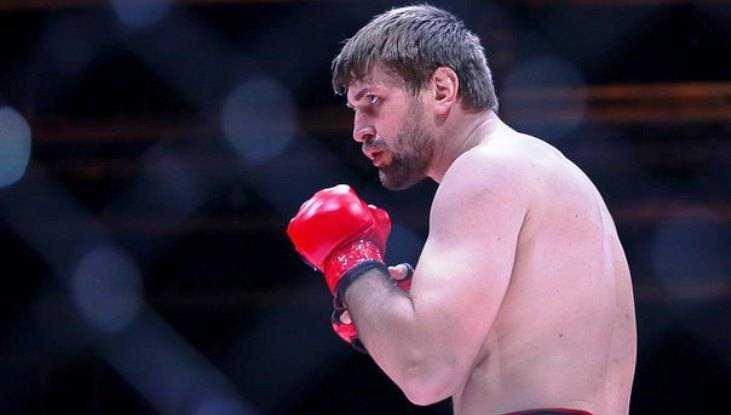 Брянский боец Минаков заявил, что не собирается мстить за Емельяненко