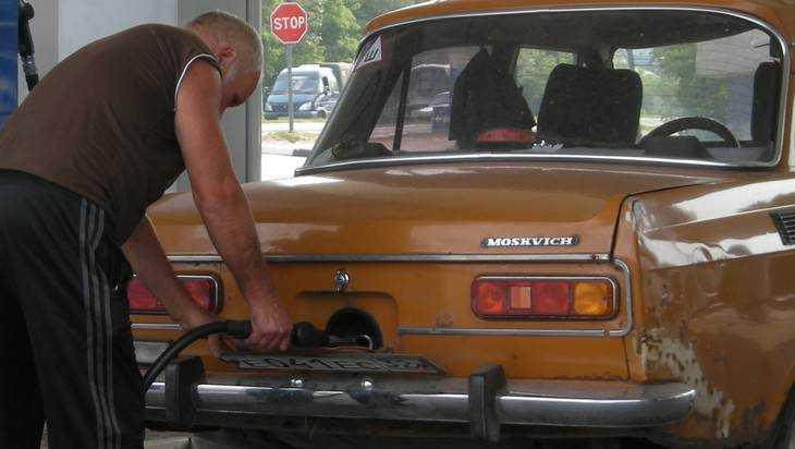 На шкале бензиновой цены Брянску отвели 24 место