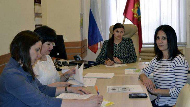 «Яблочница» Ольга Махотина сдала документы в Брянский облизбирком