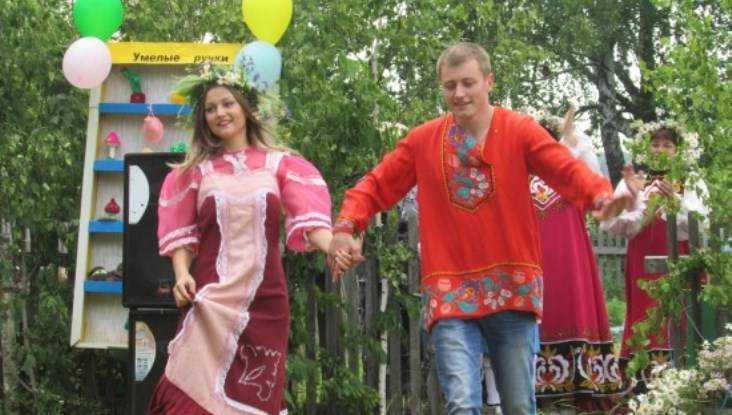 В Брасовском районе праздник семьи отметили поющим фестивалем