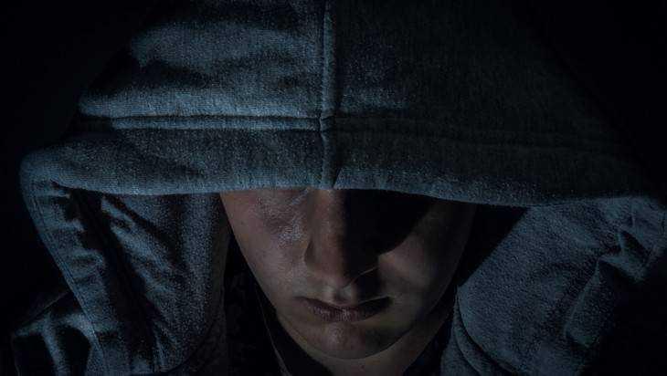 В Дятькове уголовник за один вечер ограбил двух 18-летних девушек