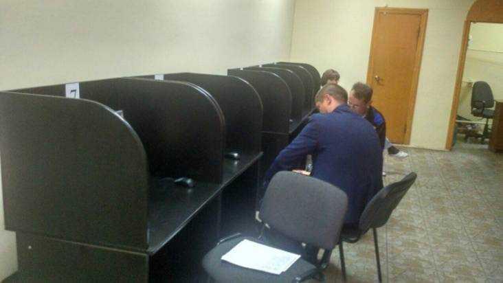 В центре Брянска полиция закрыла подпольный игровой салон