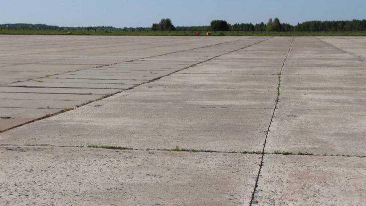 В брянском аэропорту начат ремонт взлетно-посадочной полосы