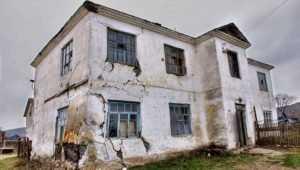 Чиновникам велели переселить брянцев из разваливающегося дома