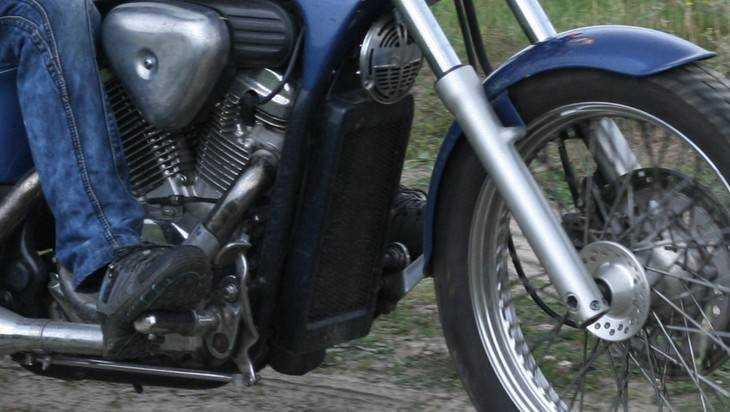 В брянском райцентре по вине 18-летнего водителя погиб мотоциклист