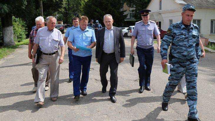 Глава комиссии рассказал всю правду об обысках в брянской колонии