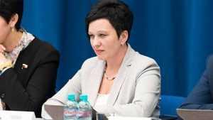 Брянский депутат Миронова рассказала о контроле зарплат учителей