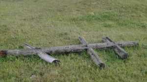 Под Брянском у монастыря рухнул крест
