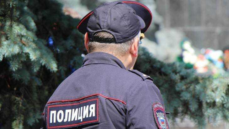 Суд арестовал зарезавшего жену брянского полицейского