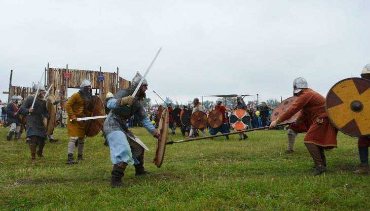 На фестивале «Брянск Стародавний» силачи сразились в грандиозной битве
