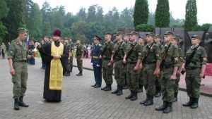 Брянских воинов Росгвардии окропили Святой водой