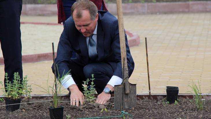 Мэр Брянска Макаров призвал горожан вместе строить и общаться