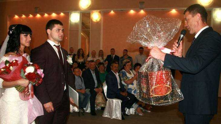 Известный брянский самбист Виктор Осипенко женился