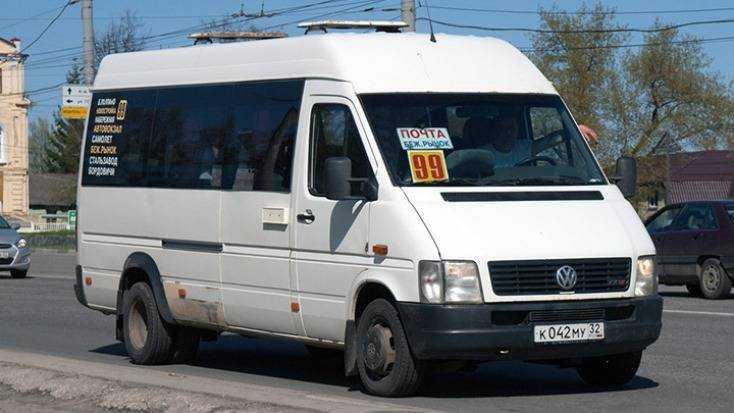 В Брянске 40-летняя пассажирка маршрутки № 99 разбила голову