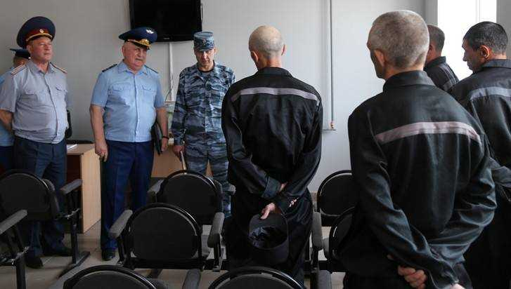 Брянский прокурор Александр Войтович нашел нарушение в колонии