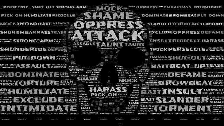 В Брянске 17-летнего парня отдали под суд за экстремизм в сети