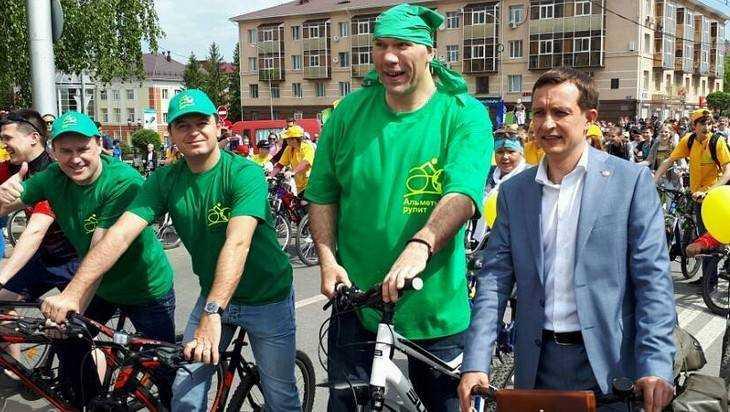 Брянским депутатам Госдума дала на «такси» по 830 тысяч