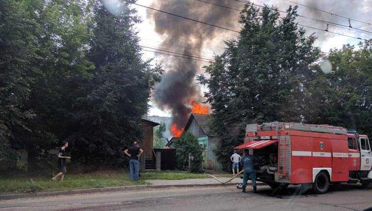 В Брянске образовалась пробка из-за пожара на улице Ульянова