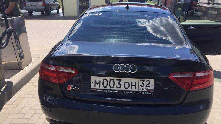 В Брянске угнали красавицу Audi A5