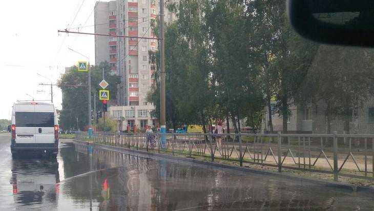 В Брянске подтопило участок Московского проспекта