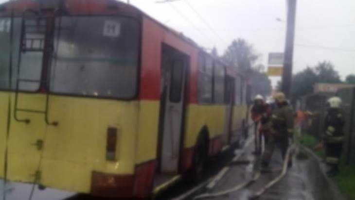 В Брянске на Городище едва не сгорел троллейбус №11