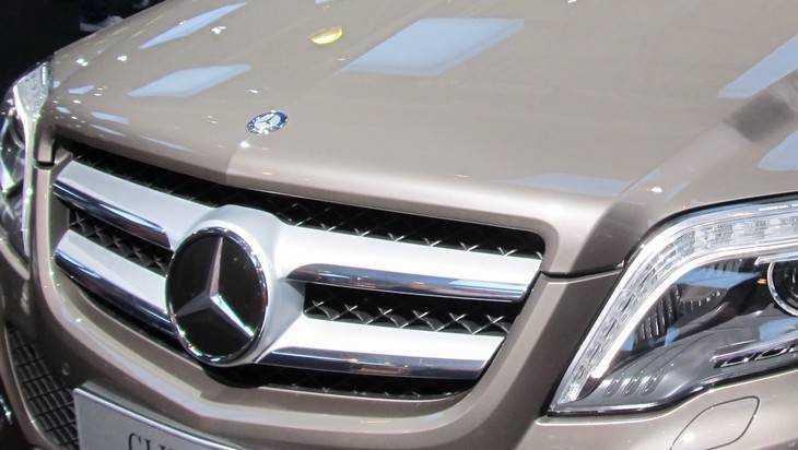 В Брянске 18-летний водитель Mercedes-Benz насмерть сбил пешехода