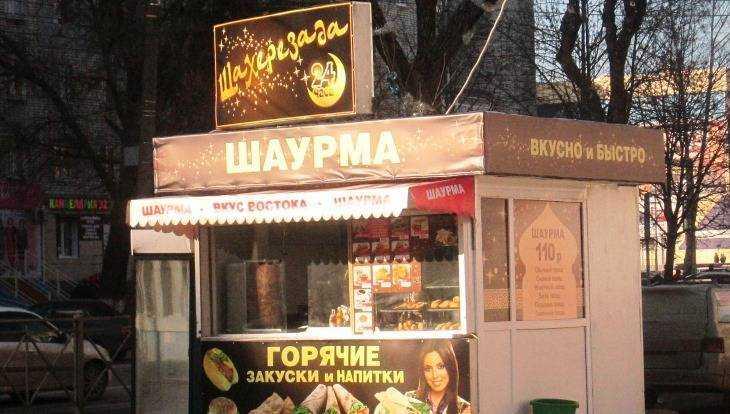 За отравление 7 брянцев шаурмой таджиков осудили на полтора года