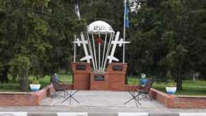 В Стародубе открыли памятник воинам-десантникам