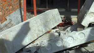 Начато расследование гибели 15-летней брянской девушки под упавшей плитой