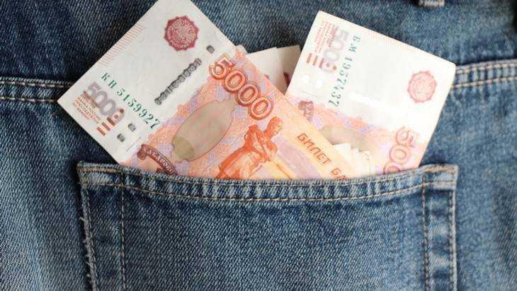 В Брянске лживый менеджер магазина присвоил 148 тысяч рублей