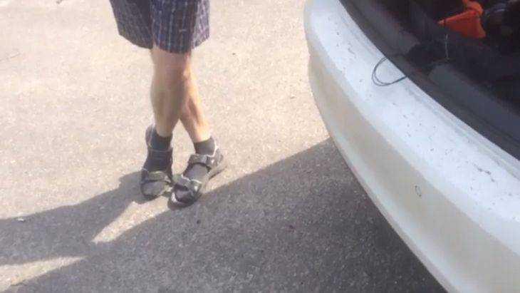 Таксист из Брянска раскрыл москвичу тайну носков под сандалиями