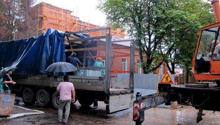 В Брянск привезли уральский гранит для лестницы на бульваре Гагарина