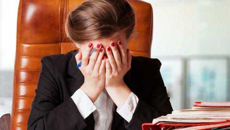 Брянскую чиновницу оштрафовали за равнодушие и волокиту
