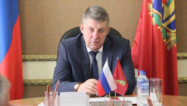 Брянский губернатор Богомаз отчитал чиновников за бурьян