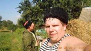 Брянские казаки помогли заготовить сено