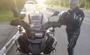 Отзывчивые брянцы помогли немецкому мотоциклисту