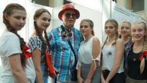 Брянские модницы покорили легендарного кутюрье Вячеслава Зайцева