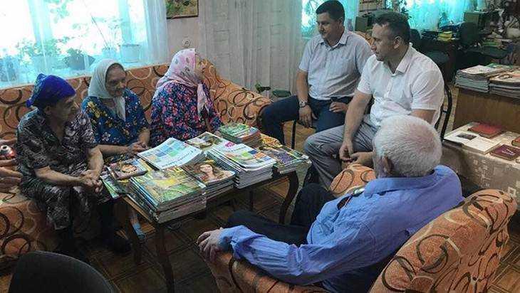 Михаил Иванов посетил Дарковичский дом-интернат для престарелых и инвалидов
