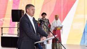 Брянский губернатор Богомаз спел на Свенской ярмарке о земле