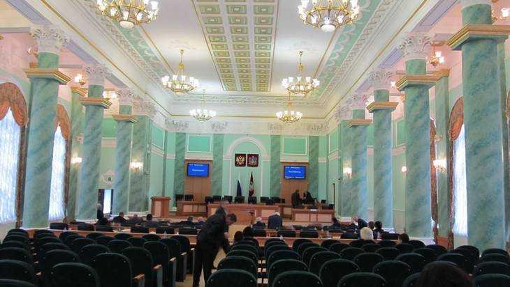Брянская дума приняла новых депутатов Гавричкова и Башлакова